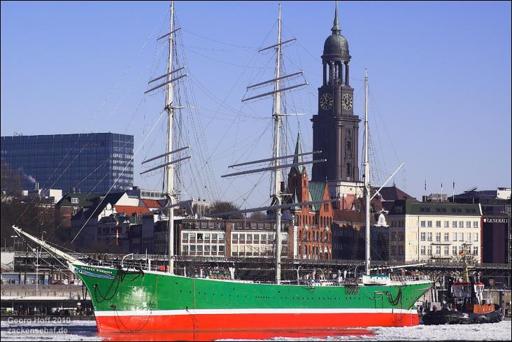 Le Rickmer Rickmers est un trois-mâts barque