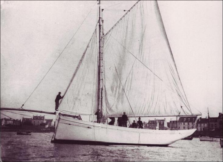 Le Nethou-Vagabond est un cotre à voile aurique