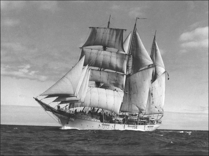 Le Mercator est un trois-mâts gréé en barquentine