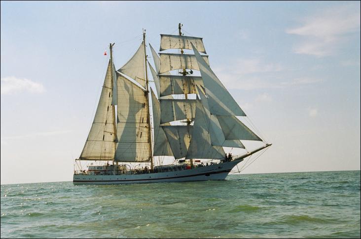 L'Iskra II est un trois-mâts goélette polonais