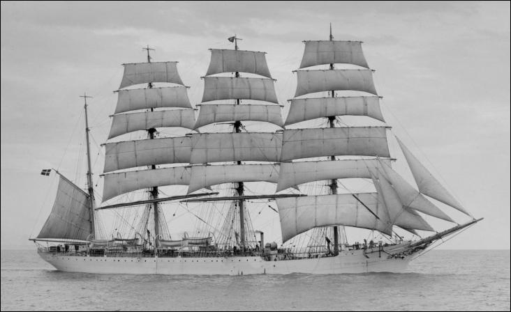 Le Viking est un quatre-mâts barque