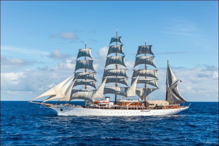 Le Sea Cloud est un quatre-mâts barque à coque d'acier