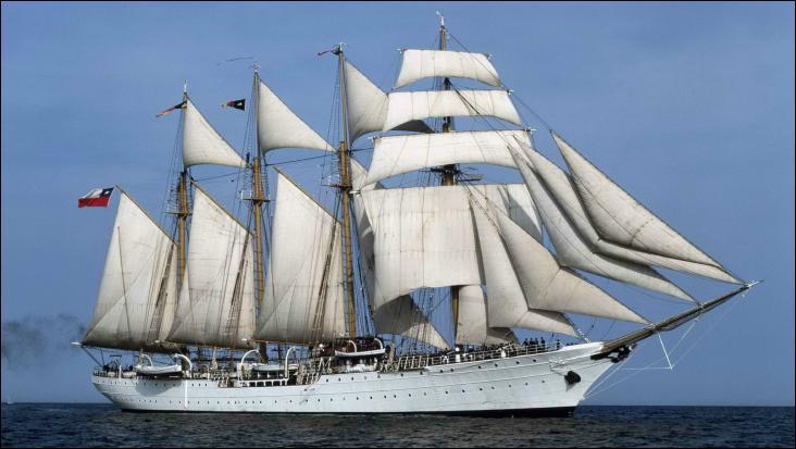 L'Esmeralda est un quatre-mâts goélette à brigantine en acier
