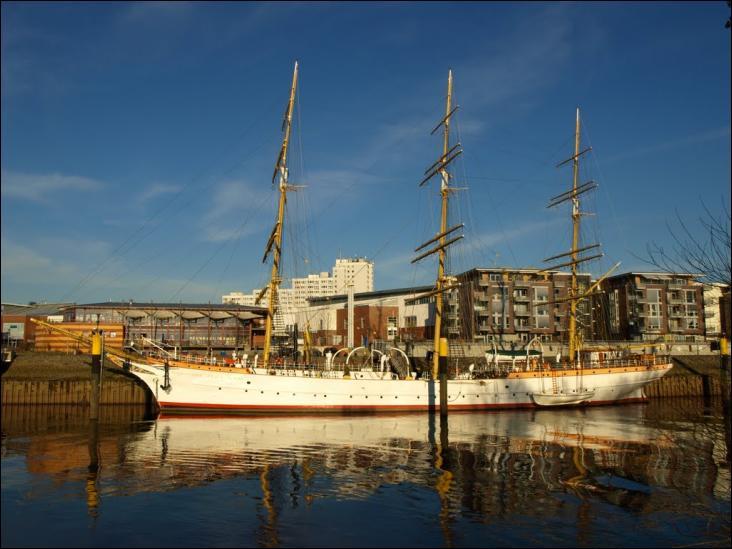 Le Schulschiff Deutschland est un trois-mâts carré
