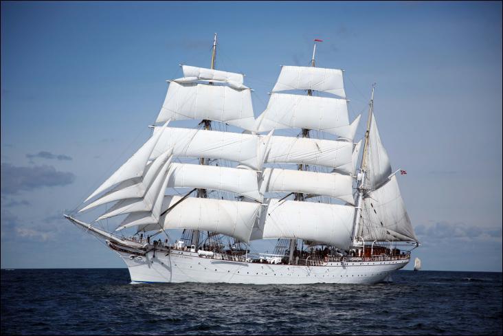 Le Staatsraad Lehmkuhl est un trois-mâts barque norvégien