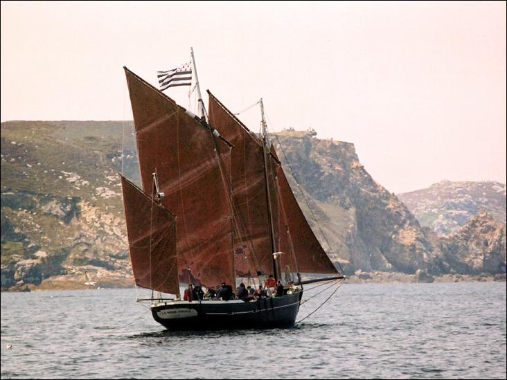 La Belle Angèle, lougre de 1992, lougre chasse-marée de 1870.