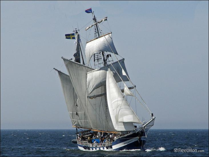 Le Baltic Beauty est un ancien ketch remanié en brick-goélette
