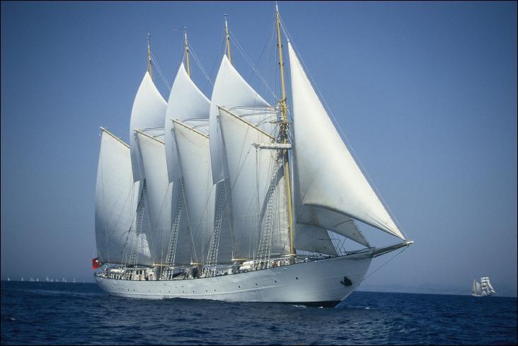 Le Santa Maria Manuela est une goélette à quatre-mâts