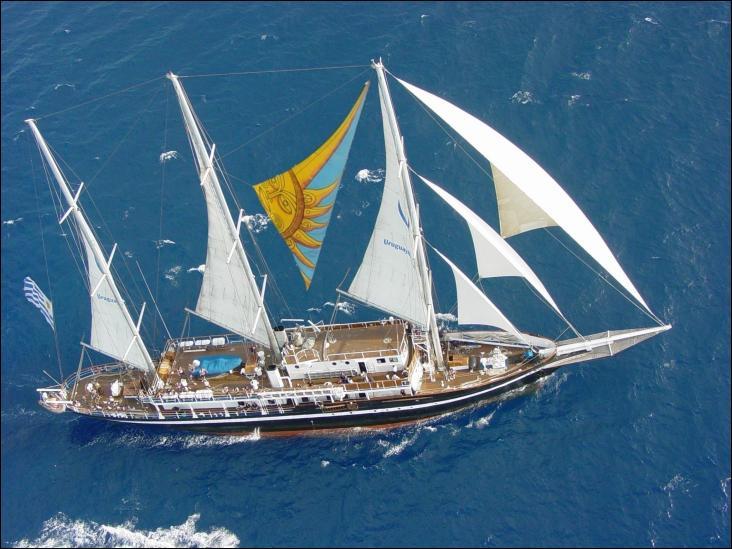 Le Capitan Miranda est une goélette à trois mâts