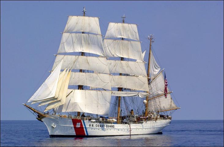 USCGC Eagle est un trois-mâts barque